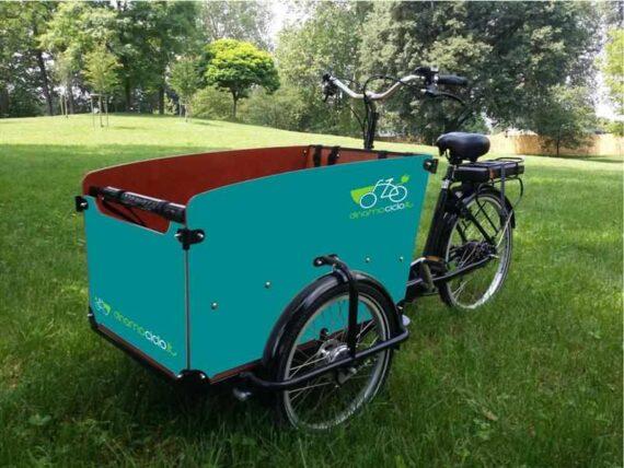 Babboe Big cargo bike esempio personalizzazione cassone blu turchese
